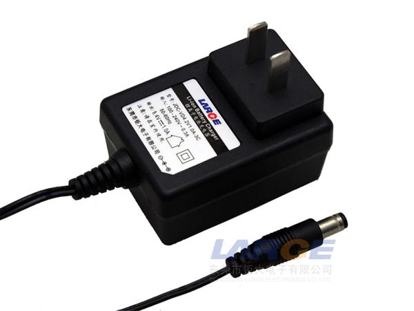 锂电池 国标 充电器/8.4V 4V锂电池充电器,国标插墙式
